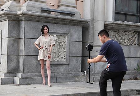 夏天女士短袖产品视频拍摄