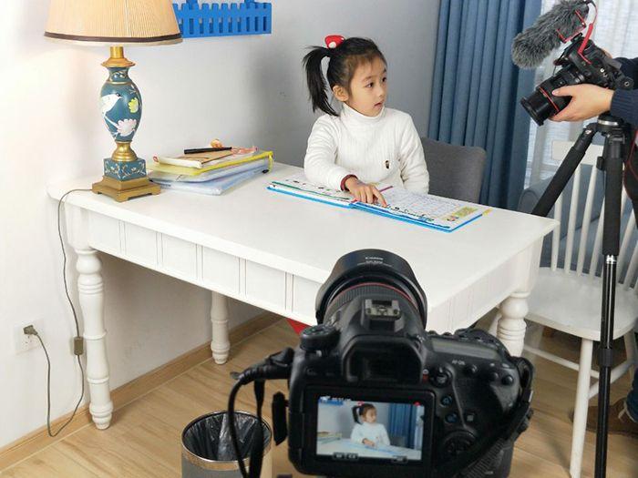 儿童学习机淘宝主图视频拍摄现场